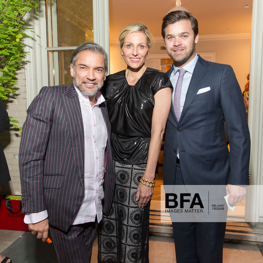 Affordable Jamie Tisch Julian Gratry At Carlos Mota A Touch Of Style Book  Signing With Tisch Sthle