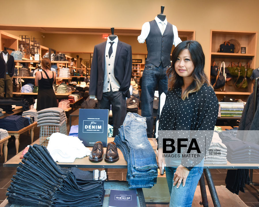 Mary Pierson at J CREW Introduces Its New Men's Denim / id : 1618848