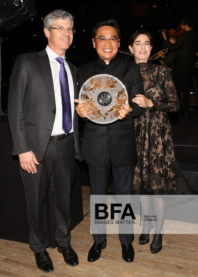 Robert Pruzan, Chairman Wang Jian, Claudia Gould at The Jewish Museum's : Purim Ball 2017 / id : 2368042 by Aria Isadora/BFA.com