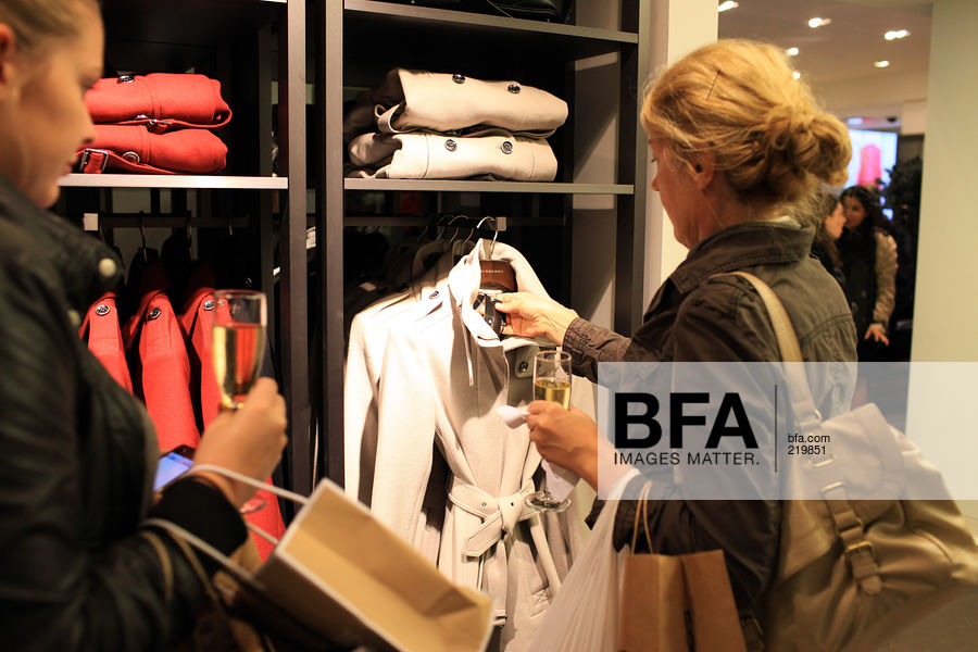 326284b4 atmosphere-mosphere at Burberry Shop Opening Events - Bloomingdale's ...