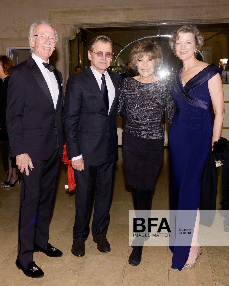 Mikhail Baryshnikov Dena Kaye Lisa Rinehart At The Arts Arena Benefit Gala Parade Vive Les Artistes