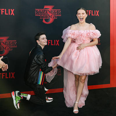 Noah Schnapp Millie Bobby Brown At Netflix S Stranger Things 3